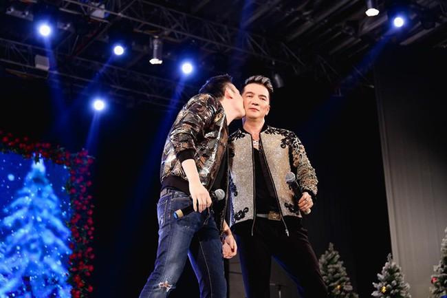 Gia đình quyền lực và sóng gió bậc nhất showbiz: Hoài Linh không nhìn mặt, Dương Triệu Vũ lại dính tin đồn yêu Mr. Đàm - Ảnh 7.