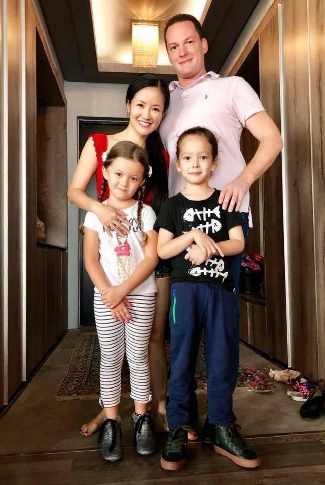 Chốn đi về của 3 mẹ con diva Hồng Nhung sau khi ly hôn với chồng Tây - Ảnh 1.