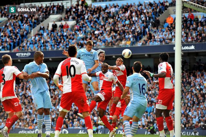 Từ 2 phút cướp chức vô địch của Man United, đến không thể chết trước Barca hùng mạnh - Ảnh 2.