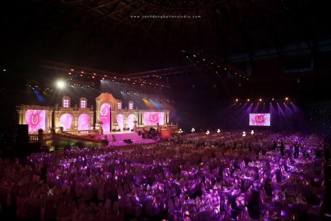 Bất ngờ về đại gia tổ chức đám cưới siêu khủng, mời cả dàn sao Việt hát mừng ở Đà Nẵng - Ảnh 1.