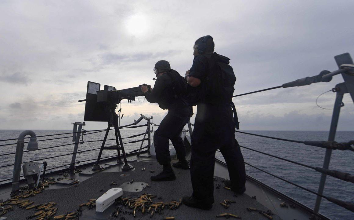 Từ vụ tàu TQ chặn tàu Mỹ: Chuyên gia nhận định về nguy cơ