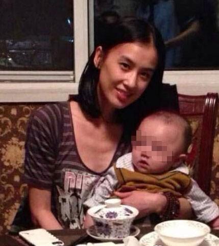 Cuộc sống của mỹ nhân phản bội Châu Tinh Trì, chấp nhận làm vợ bé suốt 10 năm giờ ra sao? - Ảnh 3.