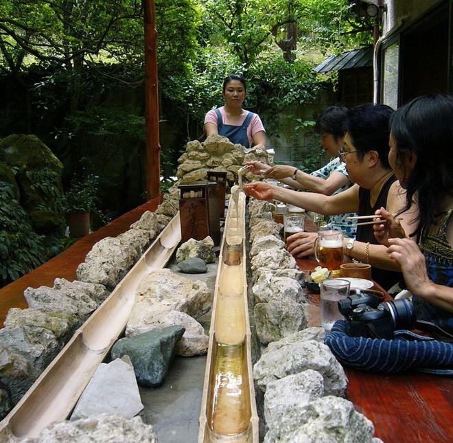 Xem xong list này, ai cũng phải bái phục người Nhật với những kiểu ẩm thực vừa dị vừa độc - Ảnh 9.