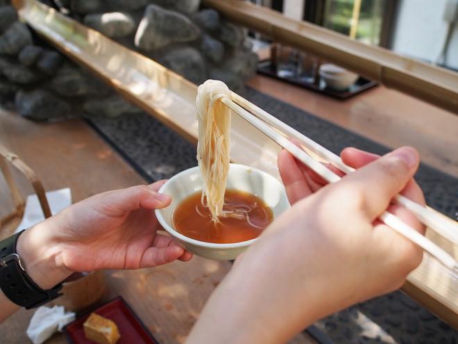 Xem xong list này, ai cũng phải bái phục người Nhật với những kiểu ẩm thực vừa dị vừa độc - Ảnh 10.