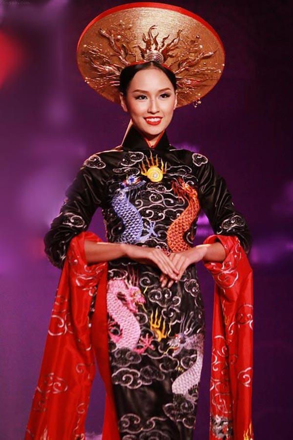 Áp lực lớn nhất khi Trần Tiểu Vy trở thành tân Hoa hậu Việt Nam - Ảnh 21.