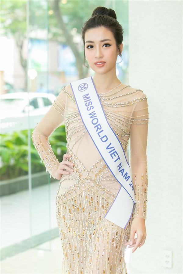 Áp lực lớn nhất khi Trần Tiểu Vy trở thành tân Hoa hậu Việt Nam - Ảnh 23.