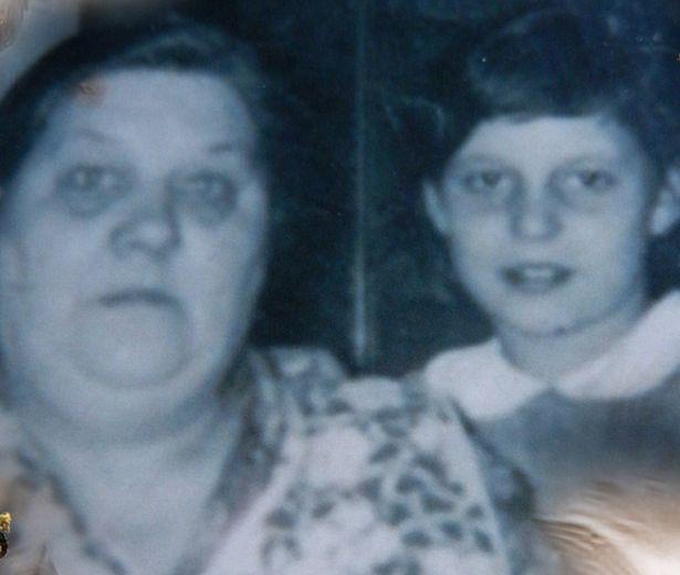Ký ức ám ảnh suốt một đời của người phụ nữ có cha đẻ là ông ngoại, bị cưỡng bức suốt nhiều năm - Ảnh 2.