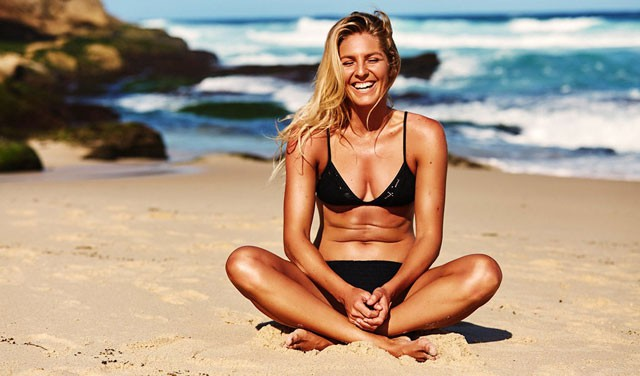 Stunned by the beautiful face of Australian surfers - Photo 3.