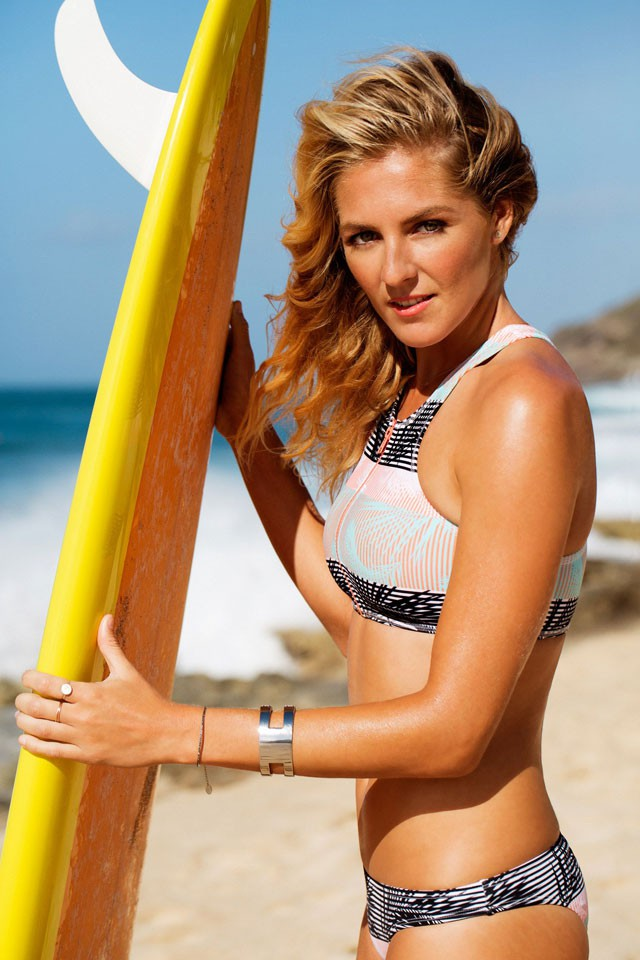 Stunned by the beautiful face of Australian surfers - Photo 4.