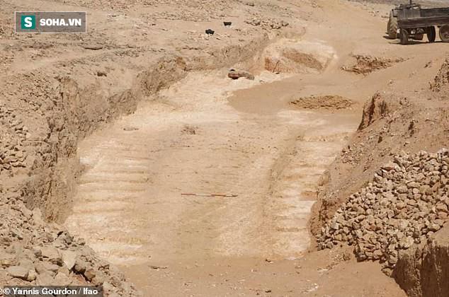 Phát hiện hệ thống đường dốc 4.500 tuổi, có thể chính là bí kíp xây kim tự tháp Giza - Ảnh 1.