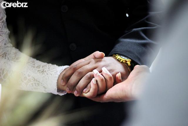 Gửi các cô gái ảo tưởng: Hôn nhân không phải là chiếc thẻ bảo hiểm và đàn ông không phải là phiếu ăn vĩnh viễn của bạn, cho nên hãy cật lực kiếm tiền đi! - Ảnh 1.