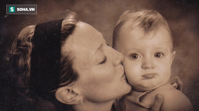 Câu chuyện đáng kinh ngạc về một người phụ nữ bị ung thư vú trong khi mang thai - Ảnh 1.