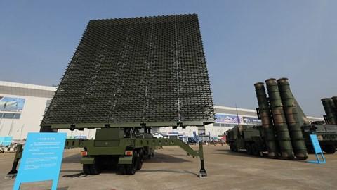 Trung Quốc lần đầu khoe 2 vũ khí tối mật đang có mặt ở Biển Đông và Hoa Đông - Ảnh 1.