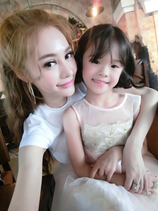 Sau gần 2 năm công khai tình cảm, Linh Chi lần đầu nói về mối quan hệ với con gái riêng của Lâm Vinh Hải - Ảnh 2.