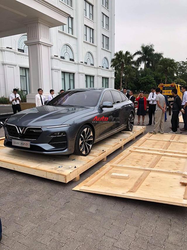 HOT: Khui công sedan VinFast Lux A2.0 tại Việt Nam - Ảnh 4.