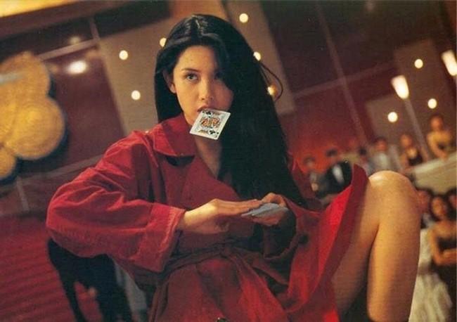Khâu Thục Trinh: Từ quả bom sex đổi đời nhờ đại gia đến mỹ nhân sống có tình có nghĩa nhất showbiz Hong Kong - Ảnh 4.