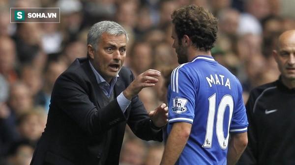 Món quà của David Moyes sẽ giúp Mourinho đánh bại Man City? - Ảnh 1.
