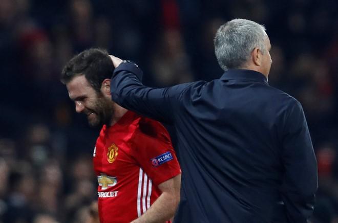 Món quà của David Moyes sẽ giúp Mourinho đánh bại Man City? - Ảnh 3.