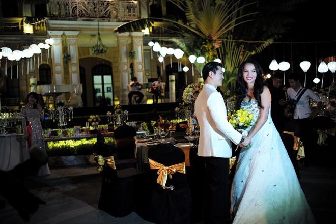 Sinh con trước, kết hôn sau: Trình tự tình yêu quen thuộc của sao Việt - Ảnh 4.