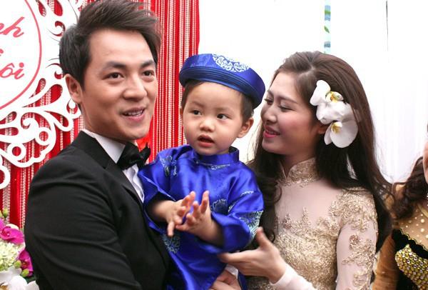 Sinh con trước, kết hôn sau: Trình tự tình yêu quen thuộc của sao Việt - Ảnh 7.