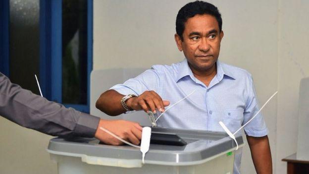 Nguy cơ đảo quốc Maldives phải gán đất cho Trung Quốc - Ảnh 2.