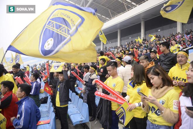 Trước giờ bóng lăn, 3 học trò của HLV Park Hang-seo nhận tin dữ - Ảnh 1.