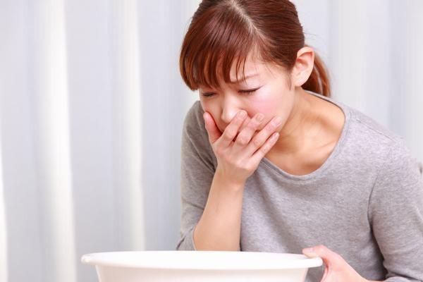 Cảnh giác với hiện tượng trào ngược thức ăn, khả năng mắc ung thư thực quản - Ảnh 2.
