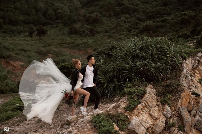 Lại thêm một bộ ảnh cưới khá sốc, cô dâu có thân hình bốc lửa táo bạo khoe vòng 3 nóng bỏng - Ảnh 6.