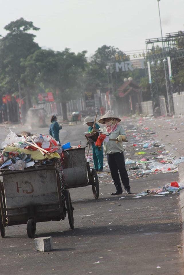 Nỗi buồn đọng lại sau chiến thắng của ĐT Việt Nam trên sân Mỹ Đình - Ảnh 3.