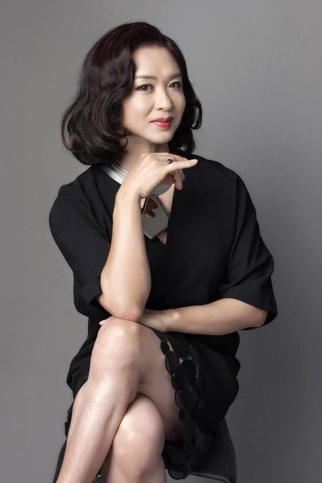 MC nổi tiếng nhất Trung Quốc muốn chuyển giới, bố đã nói một câu khiến cô bật khóc - Ảnh 2.