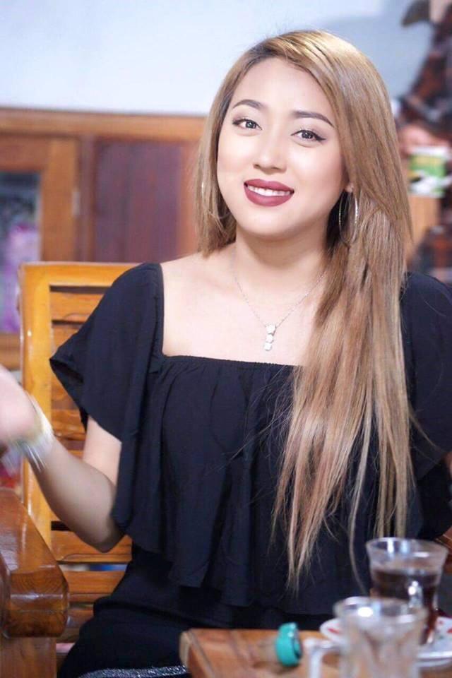 Cận cảnh vẻ đẹp sang chảnh như hoa hậu của kiều nữ yêu Messi Myanmar - Ảnh 2.