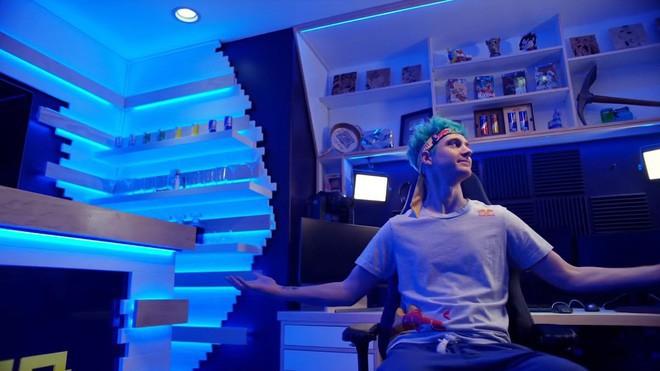 Bên trong studio khủng của hot streamer hàng đầu thế giới: Thiên đường công nghệ đội lốt tầng hầm - Ảnh 10.