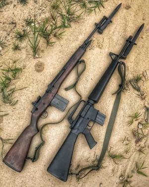 Khẩu M16 quá tệ ở Chiến tranh Việt Nam: Nhiều lính Mỹ nhặt súng AK và quý hơn đồ nhà! - Ảnh 2.