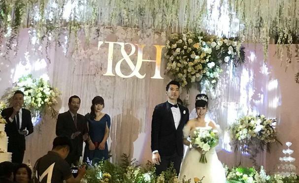 Hình ảnh hiếm hoi trong đám cưới Trương Nam Thành và bạn gái doanh nhân lớn tuổi - Ảnh 2.