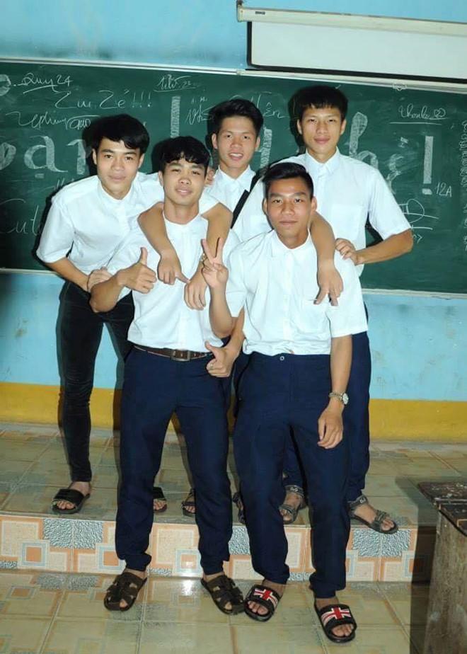 Xuân Trường, Công Phượng sắp tốt nghiệp Đại học loại giỏi - Ảnh 1.
