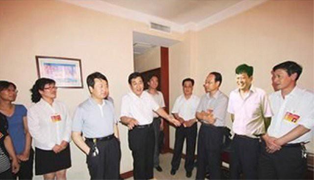 Những lần photoshop thảm họa tới khó tin của truyền thông Trung Quốc - Ảnh 7.