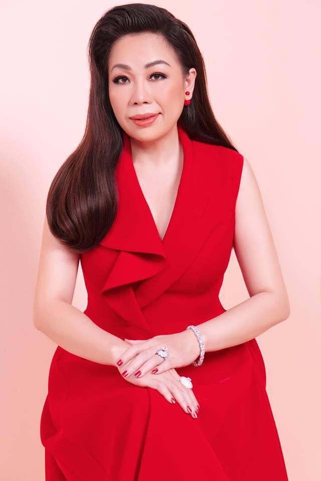 Nhà thiết kế nổi tiếng Việt Nam được mời làm giám khảo Hoa hậu Trái đất - Ảnh 1.