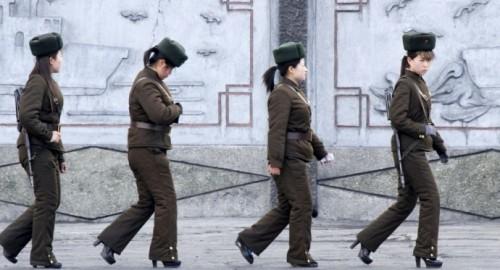Những người đào tẩu tiết lộ gây sốc về nạn lạm dụng tình dục ở Triều Tiên - Ảnh 2.