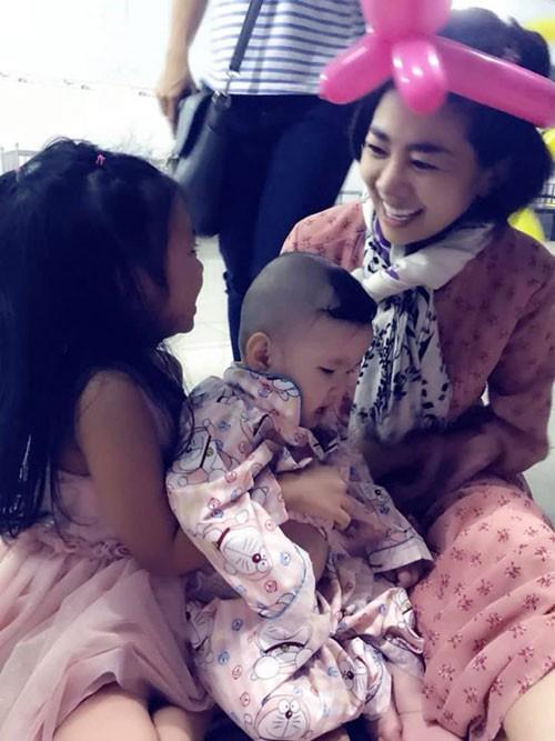 Rạng rỡ khi xuất hiện nhưng Mai Phương đang bị rụng tóc, đau ruột do tác dụng phụ của thuốc điều trị ung thư - Ảnh 3.