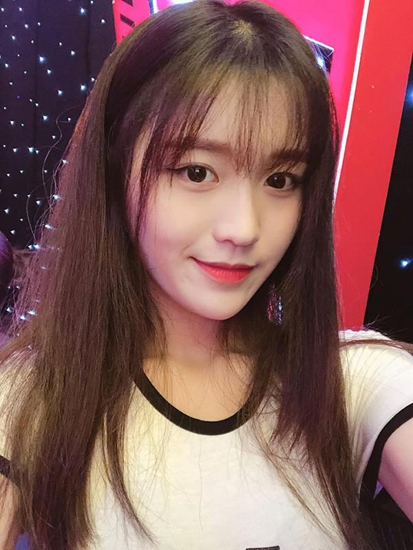 Danh tính nữ ca sĩ 18 tuổi đang sở hữu vòng eo nhỏ nhất showbiz Việt - Ảnh 3.