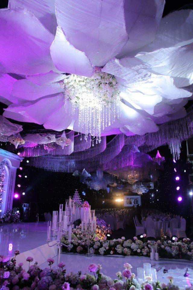 Cô dâu đeo vàng nặng trĩu trong đám cưới chi 2,5 tỷ tiền bắc rạp, trang trí 100% hoa tươi - Ảnh 3.