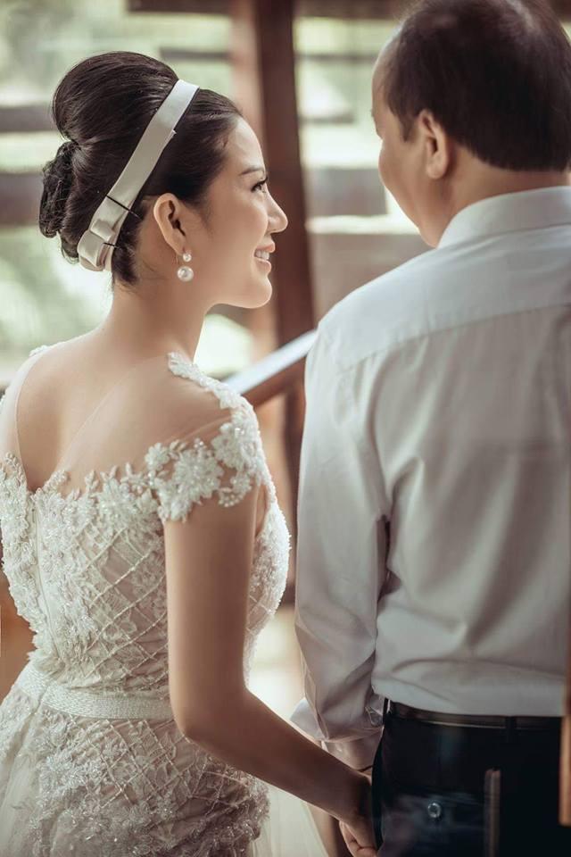 Đinh Hiền Anh tiết lộ về cuộc sống cùng chồng là Thứ trưởng Bộ Tài chính - Ảnh 1.