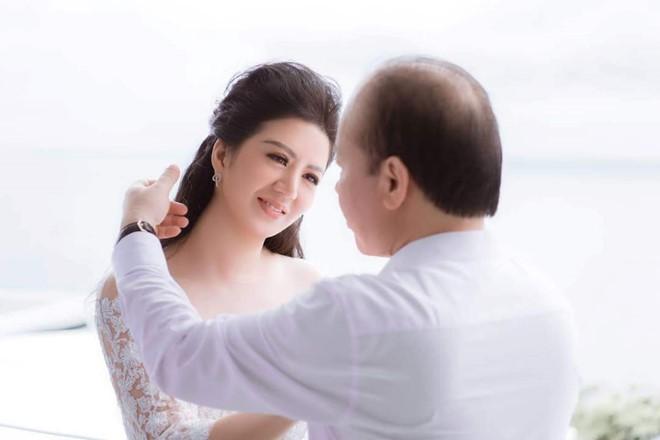 Đinh Hiền Anh tiết lộ về cuộc sống cùng chồng là Thứ trưởng Bộ Tài chính - Ảnh 2.