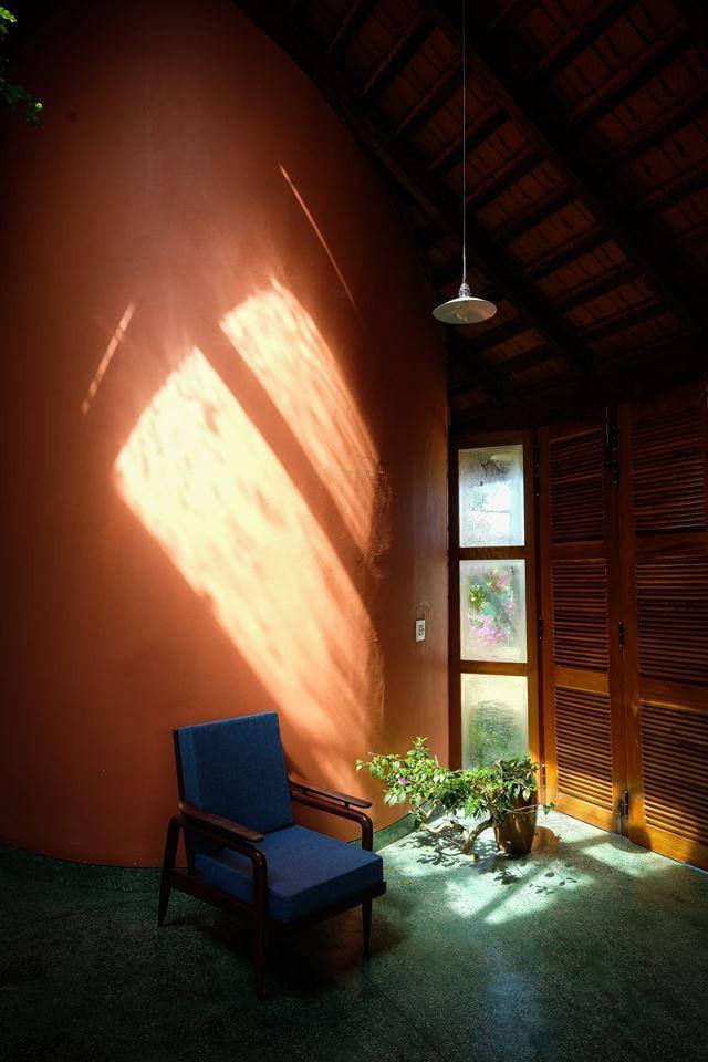 Ngôi nhà ngói ấm cúng như ngôi nhà nhỏ trên thảo nguyên của cặp vợ chồng giáo viên ở Lâm Đồng - Ảnh 15.