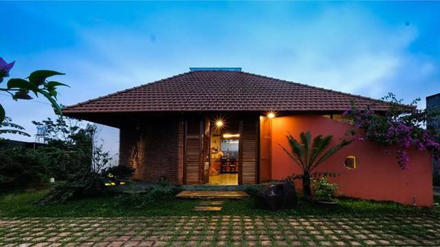 Ngôi nhà ngói ấm cúng như ngôi nhà nhỏ trên thảo nguyên của cặp vợ chồng giáo viên ở Lâm Đồng - Ảnh 3.