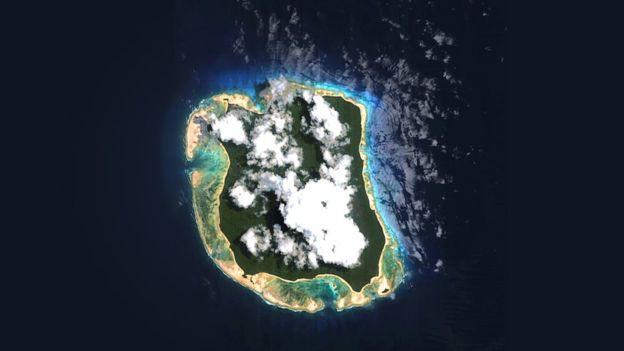Sự thật bộ tộc bí ẩn thấy người lạ là giết trên hòn đảo cấm ở Ấn Độ - Ảnh 4.