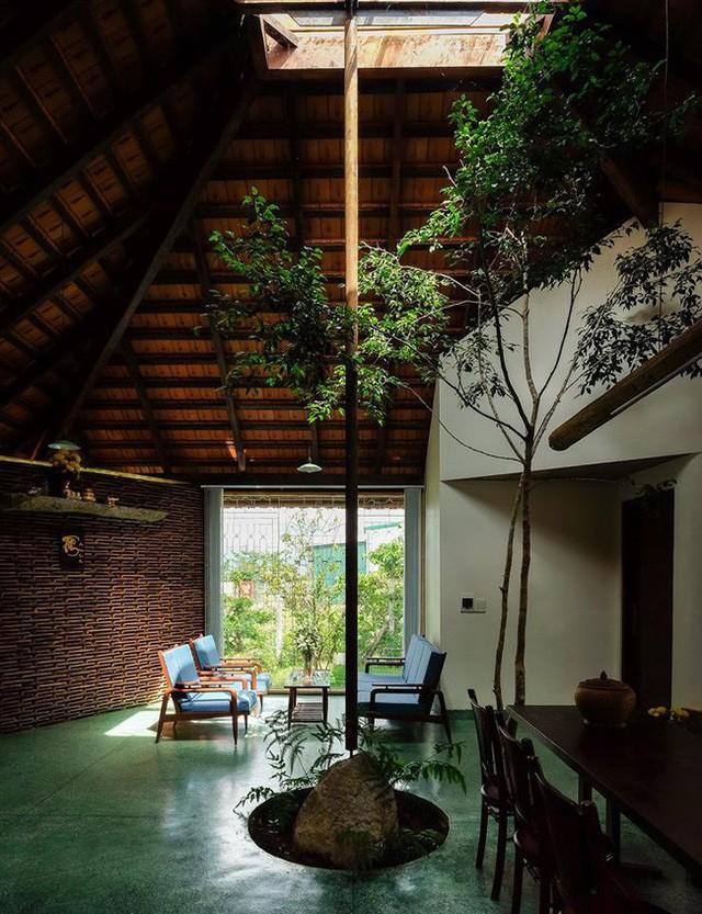 Ngôi nhà ngói ấm cúng như ngôi nhà nhỏ trên thảo nguyên của cặp vợ chồng giáo viên ở Lâm Đồng - Ảnh 8.