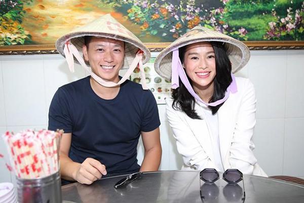 Ngôi sao đình đám TVB Hồ Hạnh Nhi cùng chồng đại gia sang Việt Nam - Ảnh 1.