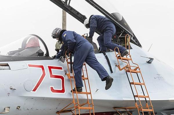 Tiêm kích Su-30SM có gì đặc biệt khiến Minsk chờ đợi còn Erevan sục sôi? - Ảnh 2.