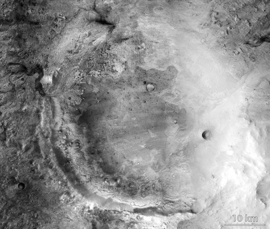 Hố khổng lồ nơi NASA săn sự sống ngoài trái đất - Ảnh 1.